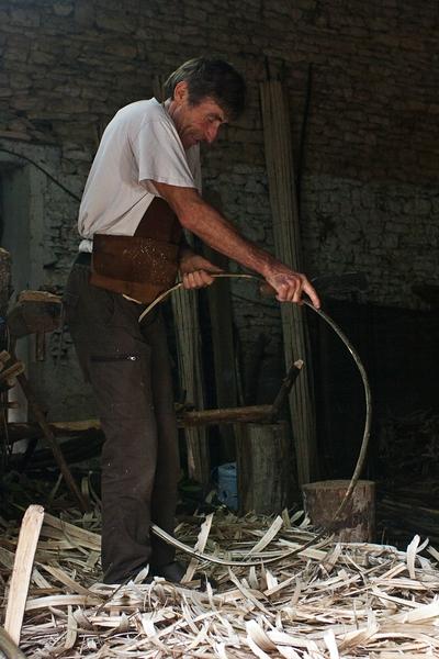 Guy Phelib mit einem Fassreifen