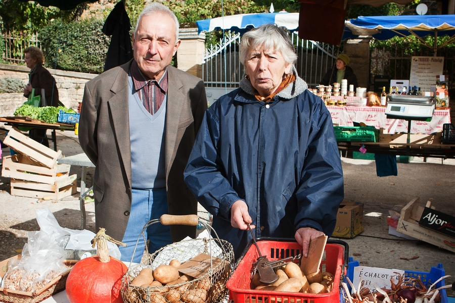 Marktleute in St. Geniés